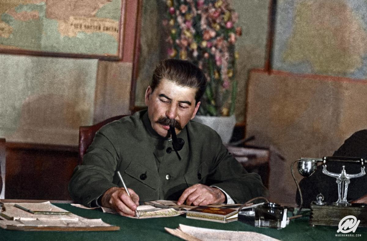 Como a URSS se tornou uma potência enquanto os EUA enfrentavam afome